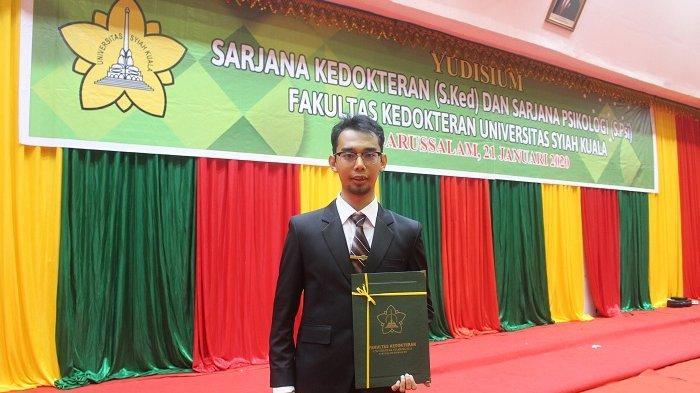 Imam Maulana Wisudawan Unsyiah Yang Lulus Tanpa Kkn Dan Skripsi Universitas Syiah Kuala